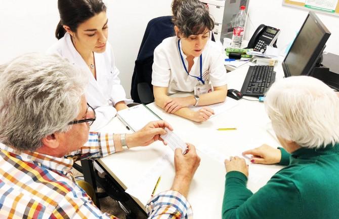 Logopedas del Hospital Vinalopó enseñan a hablar de nuevo a sus pacientes