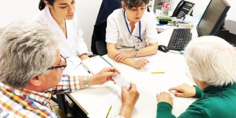 Logopedas del Hospital Vinalopó enseñan a hablar de nuevo a sus pacientes.