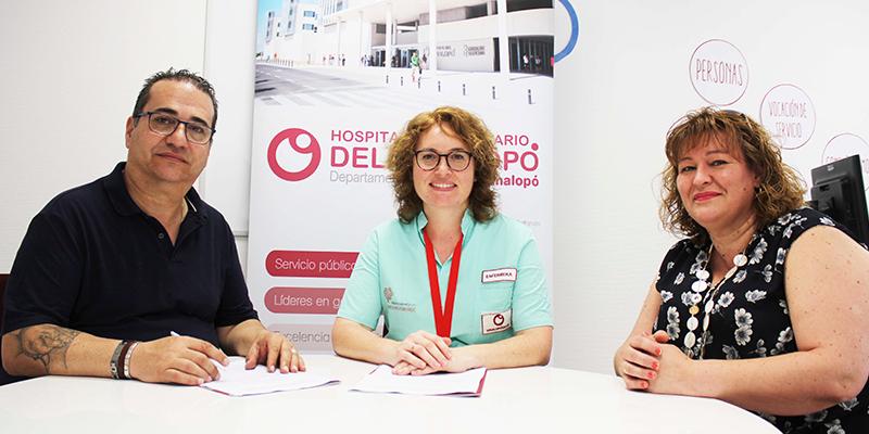 Los hospitales de Torrevieja y Vinalopó firman un acuerdo de colaboración con la Asociación Sense Barreres de Petrer