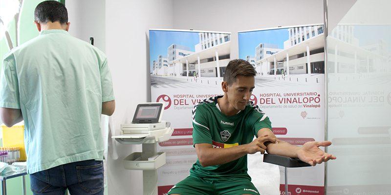 El Hospital del Vinalopó realiza las pruebas médicas de la plantilla del Elche C.F de inicio de temporada