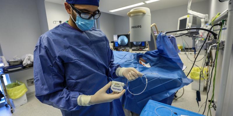 El Parque Científico de la UMH colabora con el servicio de Medicina Intensiva del Hospital Universitario del Vinalopó para desarrollar un dispositivo pionero de sujeción externa de marcapasos