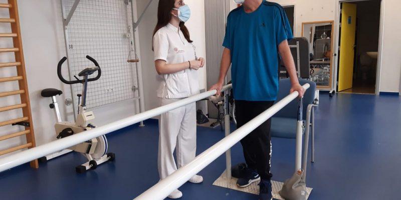 Profesionales de Ribera en Torrevieja y Vinalopó advierten de secuelas como fatiga, dolor, parálisis e incapacidad funcional después del Covid