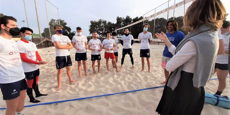 El Departamento de Salud del Vinalopó apoya el deporte local visitando el entrenamiento del Club de Voleibol de Elche